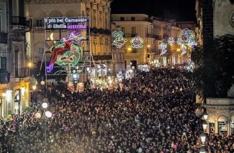 CARNEVALE DI ACIREALE 2018: GRANDE FESTA PER IL DEBUTTO DEI CARRI ALLEGORICI