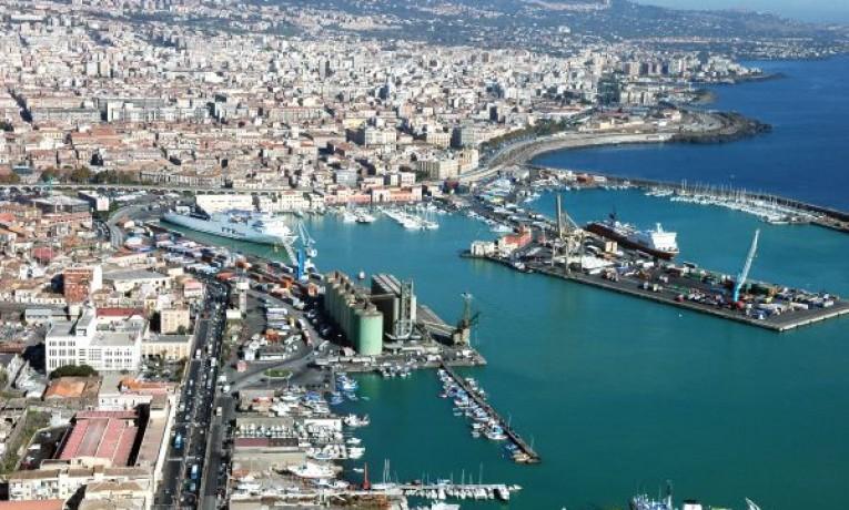"""SICILIA """"HUB"""" DEL MEDITERRANEO: LE NUOVE POLITICHE STRATEGICHE DELLA LOGISTICA E DEI TRASPORTI VIA MARE"""